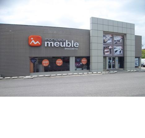 Monsieur meuble l 39 isle jourdain gers 32 you for Monsieur meuble aurillac